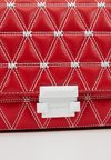 MICHAEL Michael Kors - CHAIN - Handtasche - bright red