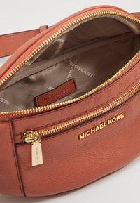 MICHAEL Michael Kors - WAISTPACK - Heuptas - sunset peach - 4
