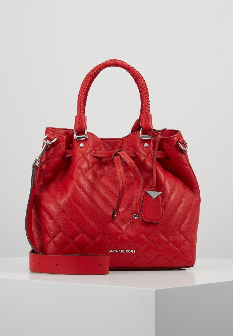MICHAEL Michael Kors - BUCKET BAG - Handtasche - bright red