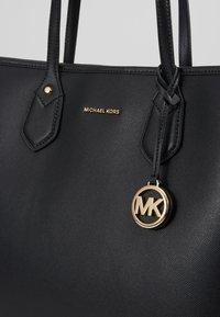 MICHAEL Michael Kors - SAYLOR TOTE - Tote bag - black - 6