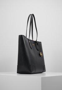 MICHAEL Michael Kors - SAYLOR TOTE - Tote bag - black - 3