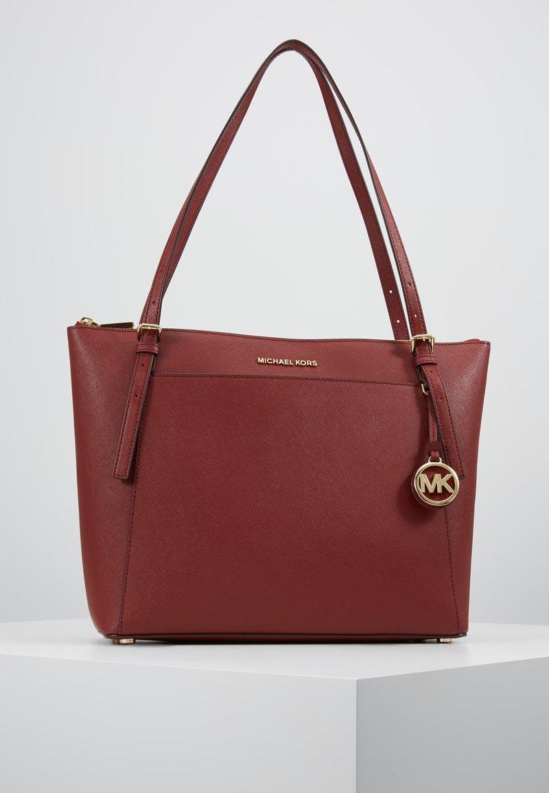 MICHAEL Michael Kors - VOYAGER TOTE - Shopping Bag - brandy