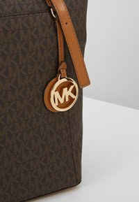 MICHAEL Michael Kors - Shoppingveske - brown/acorn