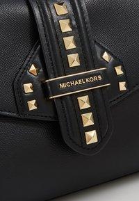 MICHAEL Michael Kors - BLEECKER SATCHEL CROSSGRAIN - Handtas - black - 6