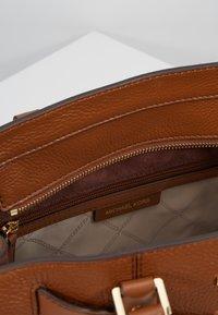 MICHAEL Michael Kors - Handtas - luggage - 4