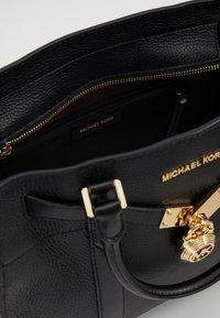 MICHAEL Michael Kors - Håndtasker - black - 4