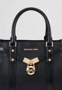 MICHAEL Michael Kors - Håndtasker - black - 7