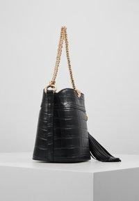 MICHAEL Michael Kors - BEA BUCKET XBODY IT CROCO KENIA - Across body bag - black - 3