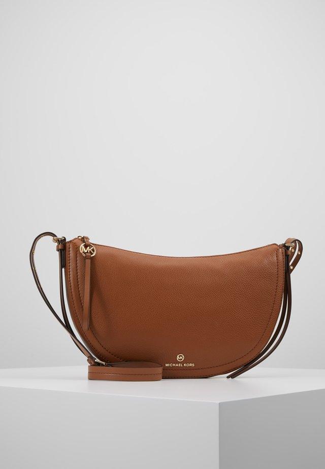 CAMDEN SMALL - Across body bag - luggage