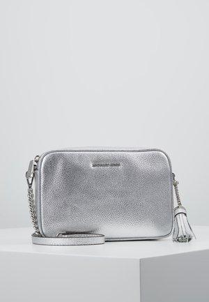 Olkalaukku - silver
