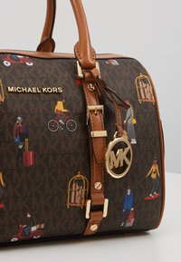 MICHAEL Michael Kors - BEDFORD TRAVEL DUFFLE SATCHEL JET SET GIRLS - Bolso de mano - brown/multi - 2