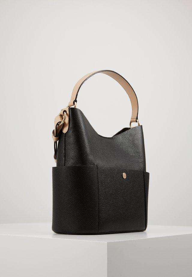 BEDFORD BUCKET - Handtasche - black