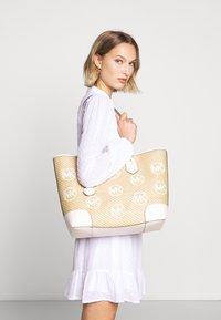 MICHAEL Michael Kors - Shopping bag - off-white - 1