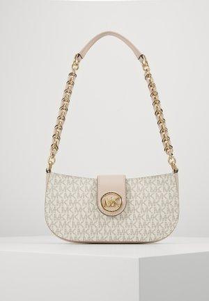 CARMEN POUCHETTE - Håndtasker - vanl/sftpink