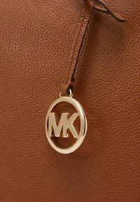 MICHAEL Michael Kors - SATCHEL - Kabelka - acorn - 5