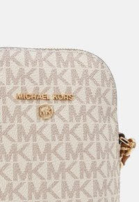 MICHAEL Michael Kors - JET SET CHARM XBODY - Across body bag - vanilla - 2