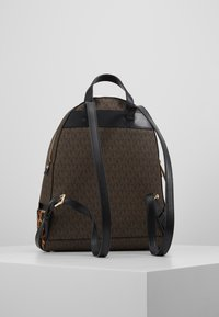 MICHAEL Michael Kors - CHEETAH AND STUDS RHEA ZIP BACKPACK - Ryggsekk - brown multi - 2