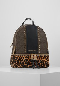 MICHAEL Michael Kors - CHEETAH AND STUDS RHEA ZIP BACKPACK - Ryggsekk - brown multi - 0