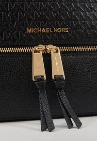 MICHAEL Michael Kors - ZIP BACKPACK EMBOSS - Batoh - black - 4