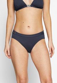 MICHAEL Michael Kors - LOGO SOLIDS BELTED BOTTOM - Bikinibukser - new navy - 0