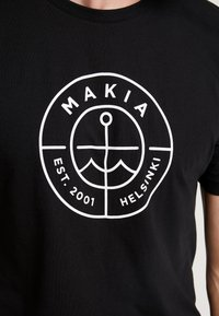 Makia - SCOPE - Printtipaita - black - 4