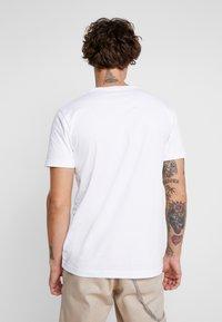Makia - CHARACTER - T-shirts print - white - 2