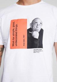 Makia - CHARACTER - T-shirts print - white - 5