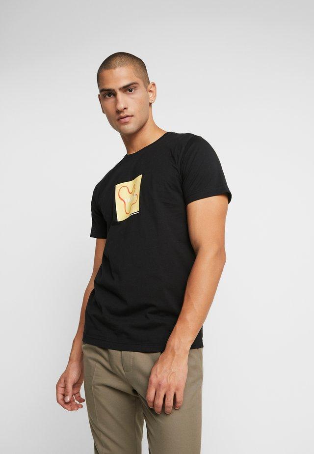 VASE - T-shirt z nadrukiem - black