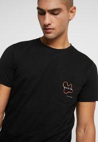 Makia - QUOTE - Camiseta estampada - black - 4