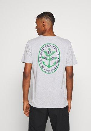 NOKKA  - T-shirts print - light grey