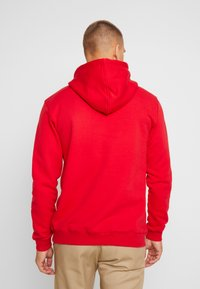 Makia - BRAND HOODED - Kapuzenpullover - red - 2