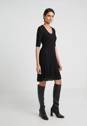 SHORT SLEEVE DRESS - Pletené šaty - black