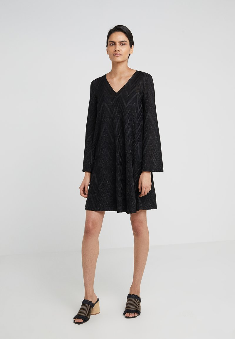 M Missoni - NECK DRESS - Pletené šaty - black