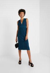M Missoni - ABITO SENZA MANICHE - Pletené šaty - multi-coloured - 1
