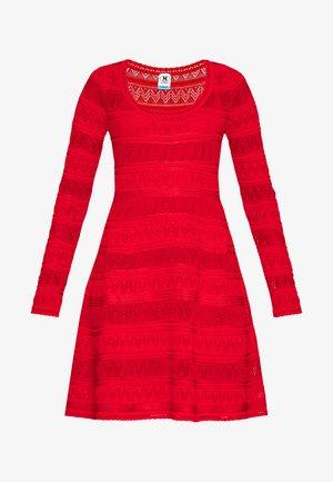 DRESS - Abito in maglia - red