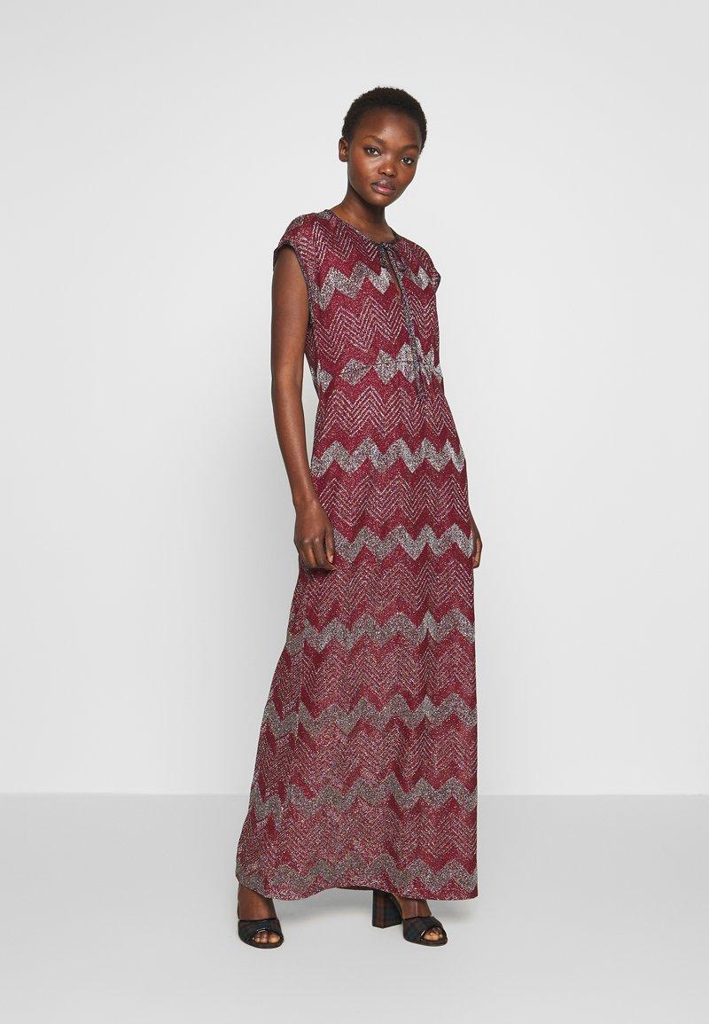 M Missoni - LONG DRESS - Denní šaty - red