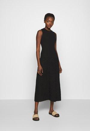SLEEVES LONGDRESS - Strikket kjole - black