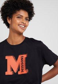 M Missoni - TEE - T-Shirt print - black/orange - 4
