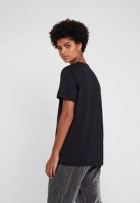 M Missoni - TEE - T-Shirt print - black/orange - 2