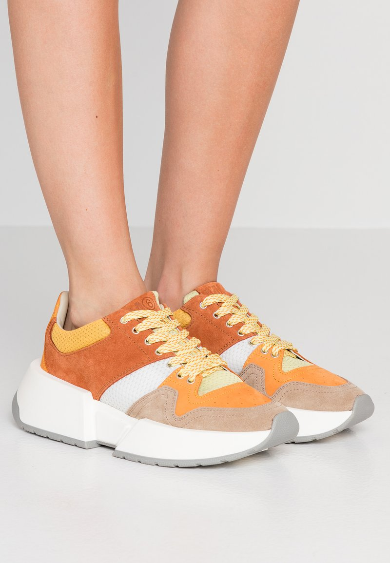 MM6 Maison Margiela - Sneakers - string/topaz/white/daff