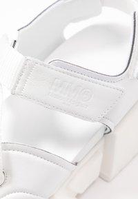 MM6 Maison Margiela - Sandály na platformě - bright white - 2