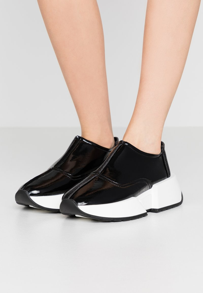 MM6 Maison Margiela - Nazouvací boty - black