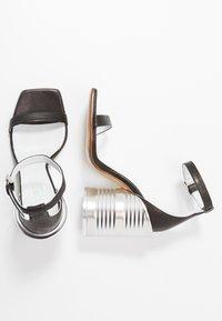 MM6 Maison Margiela - Sandály na vysokém podpatku - black - 3