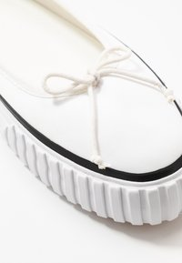 MM6 Maison Margiela - Ballerinat - bright white - 5