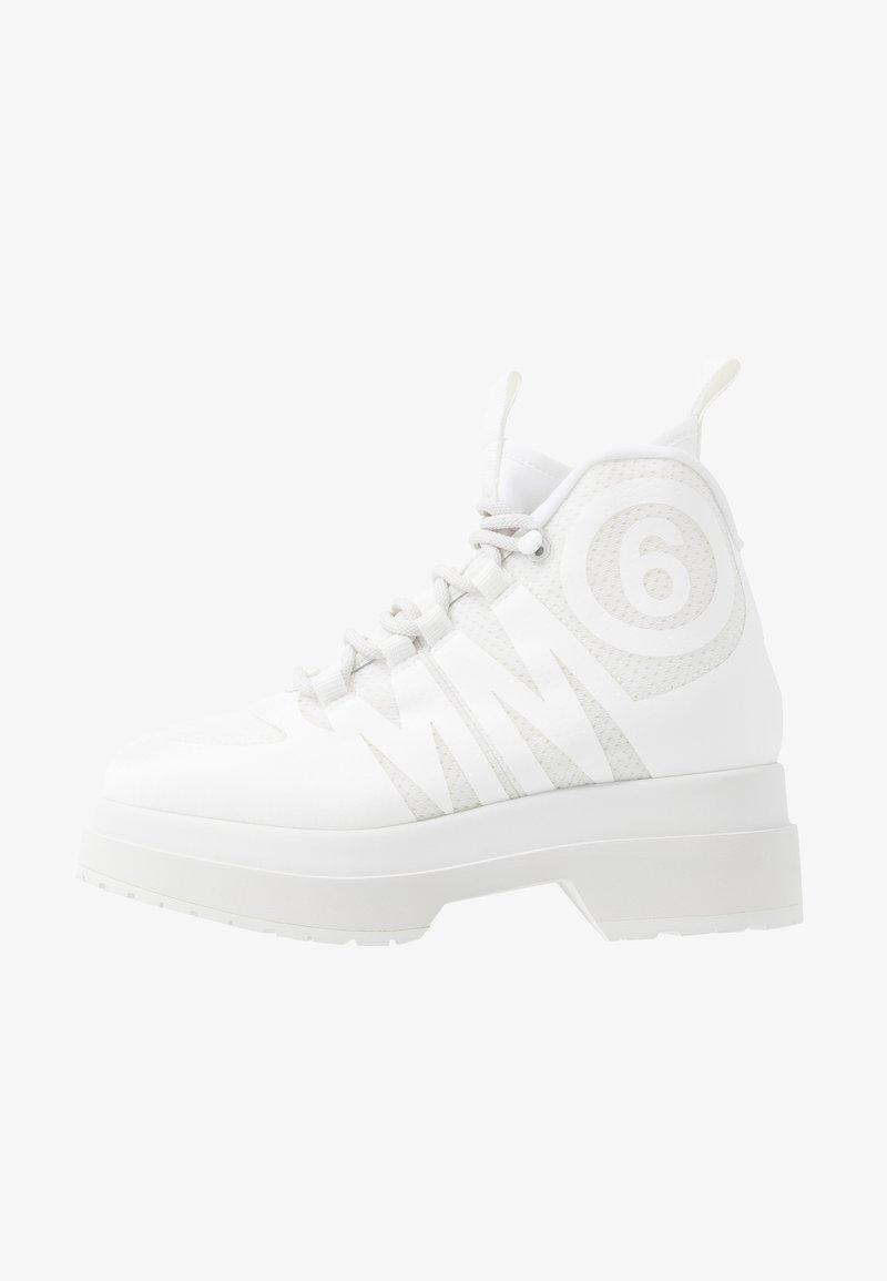 MM6 Maison Margiela - Vysoké tenisky - blanc de blanc/bright white