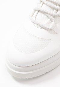 MM6 Maison Margiela - Sneakers hoog - blanc de blanc/bright white - 5