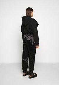 MM6 Maison Margiela - TRACK PANT - Kalhoty - black - 2