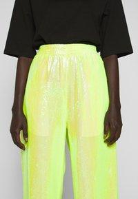 MM6 Maison Margiela - SEQUIN PANT - Kalhoty - yellow - 7