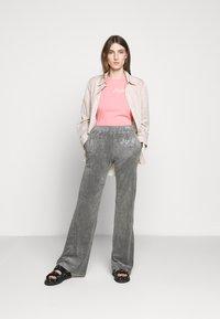 MM6 Maison Margiela - SMART - Kalhoty - grey - 1