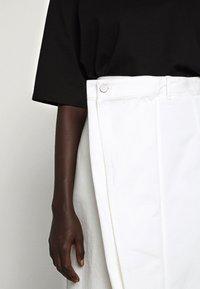 MM6 Maison Margiela - SKIRT - Jeansrock - white - 7